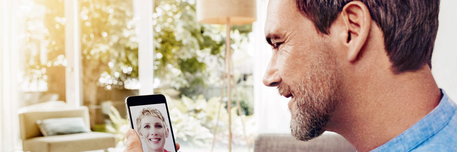 Connect Signia hearing aids with your smartphone and stream audio